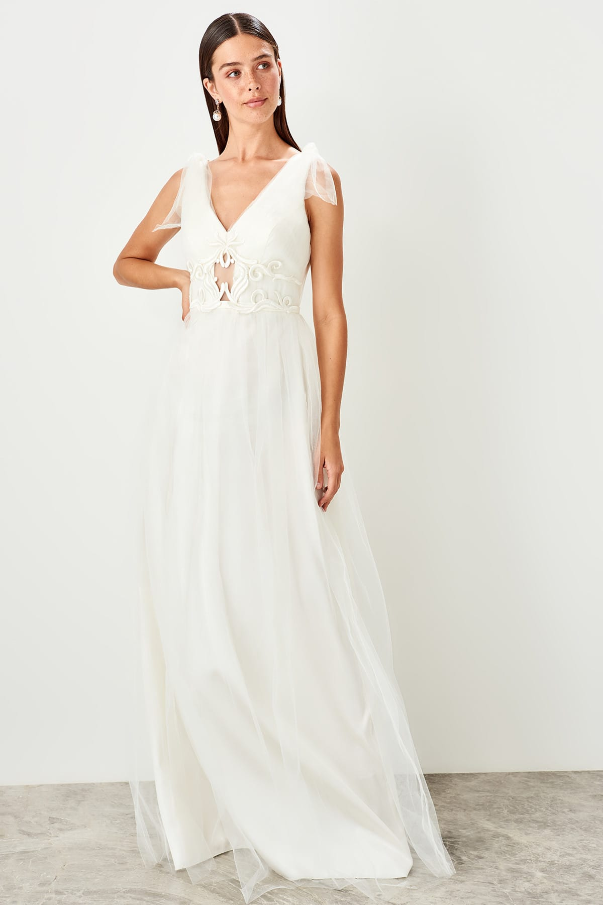Trendyol Applique Detail Evening Dress TPRSS19VF0036