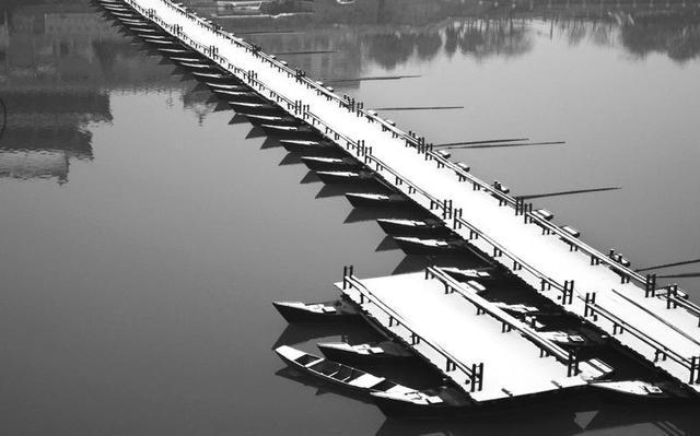 浮桥雪中美景