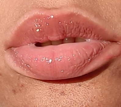 Lip Gloss Plumping photo review