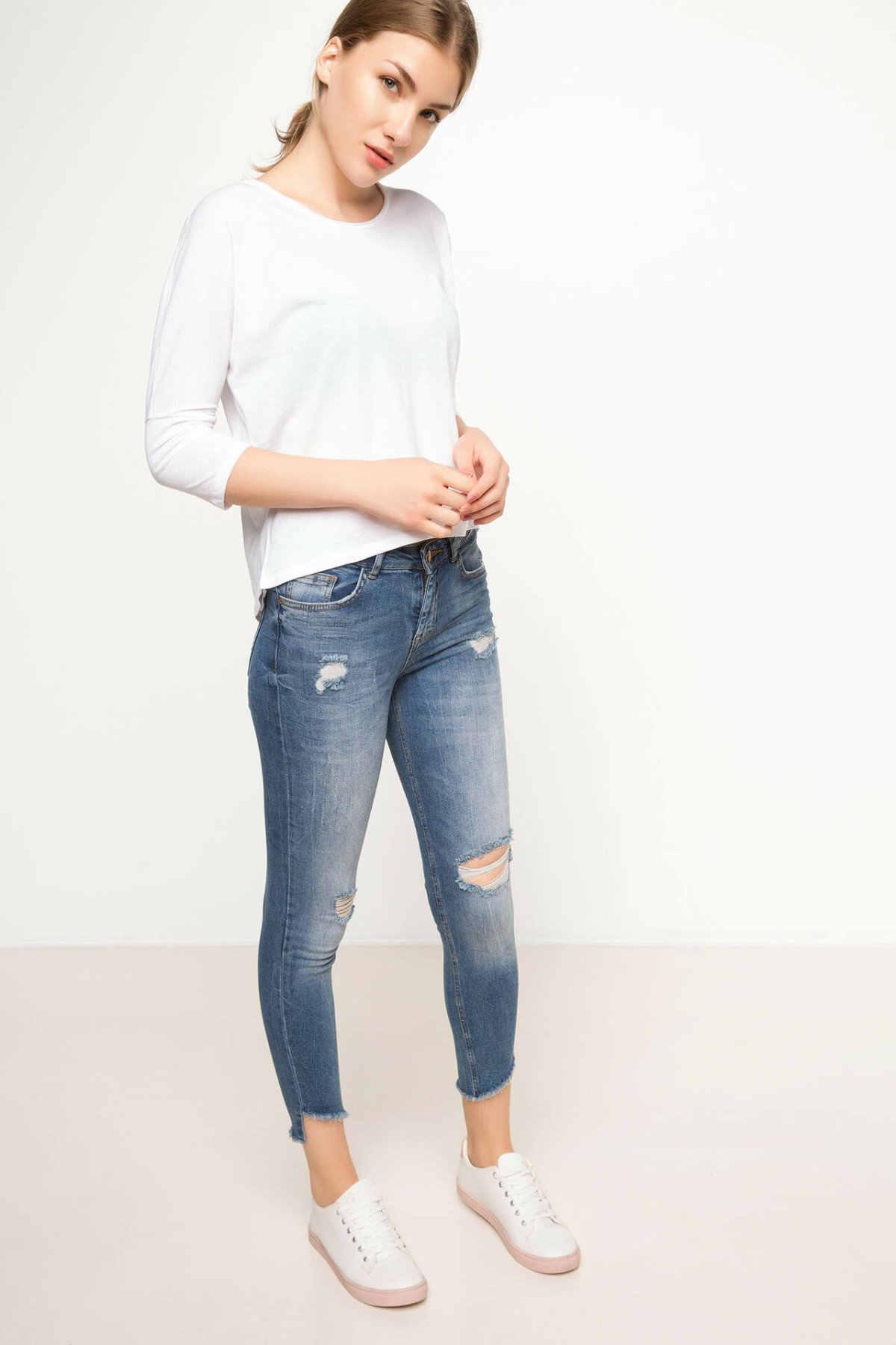 Defacto Wanita Lengan Panjang Kasual Wanita Hitam T-shirt Katun Longgar Leher O Top Tee untuk Musim Gugur Wanita Tops-H9640AZ17AU
