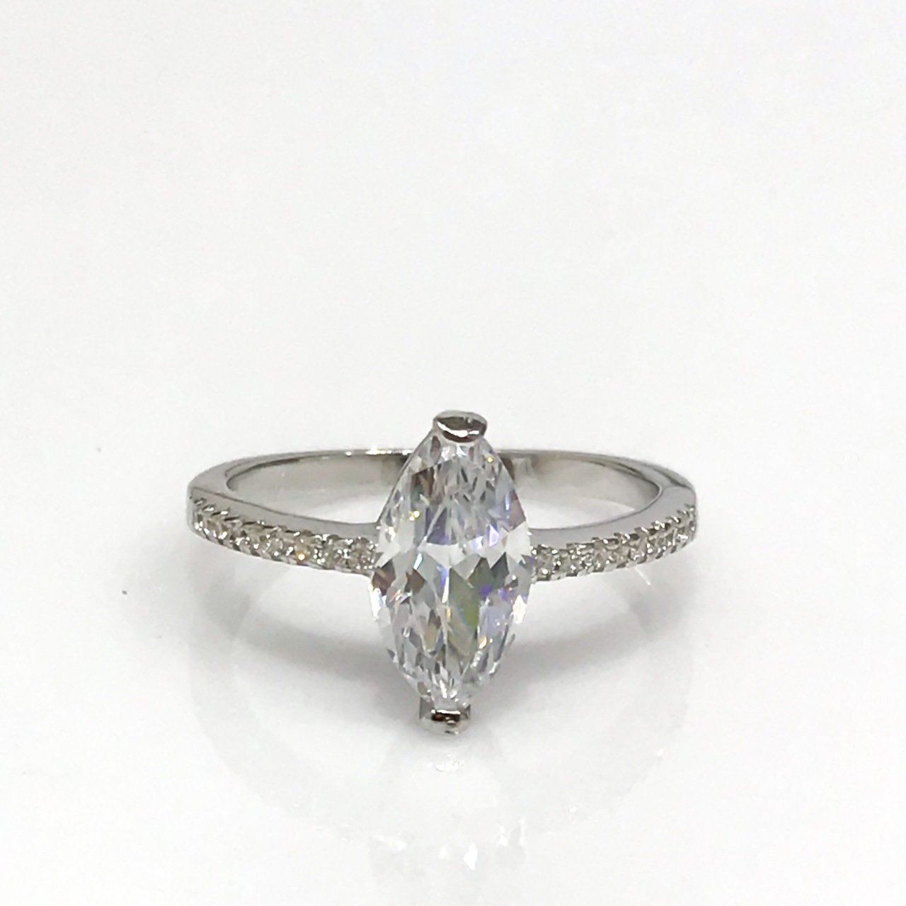 New Diamond Workmanship Marquise Zircon Sterling Silver Solitaire Ring