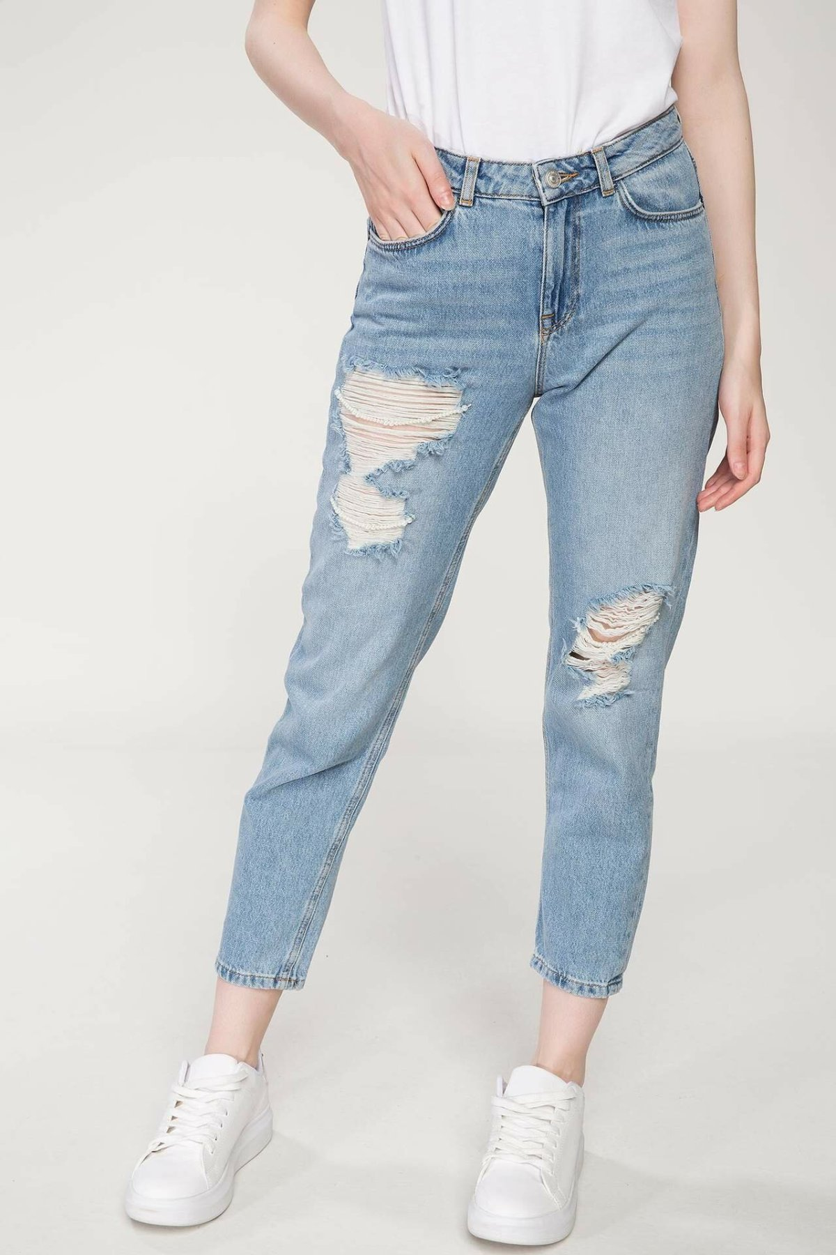 DeFacto Woman Summer Stylish Denim Jeans Women Ripped Holes Ninth Denims Female Casual Light Blue Denim Trousers-J2424AZ18SM
