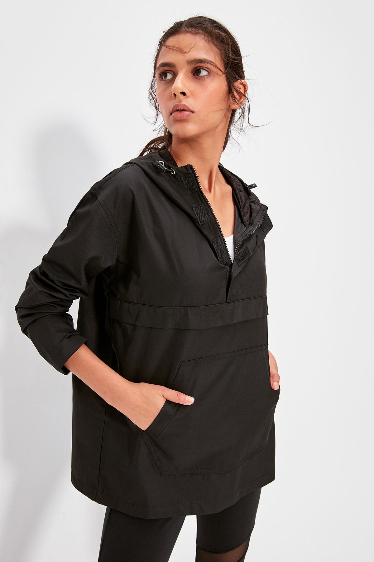 Trendyol Waterproof Black Sports Raincoat TWOAW20SW0337
