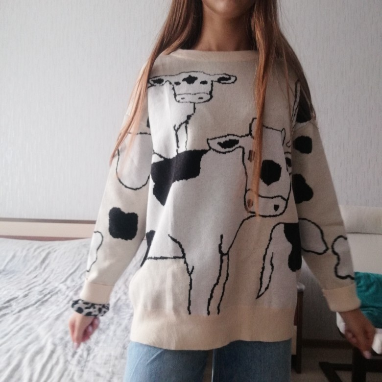 Loose Cow print Sweater photo review