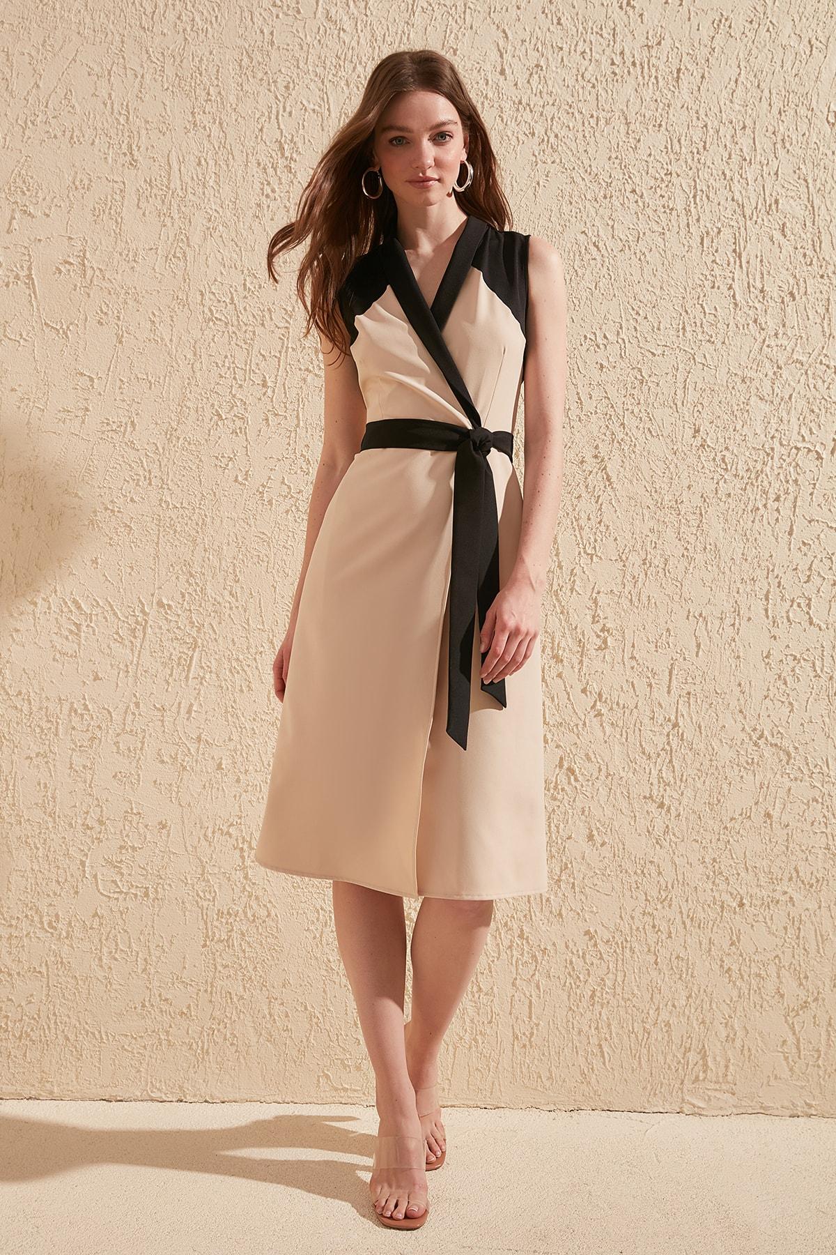 Trendyol Belted Dress TWOSS20EL0419