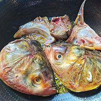 白玉菇海带鱼头汤的做法图解5