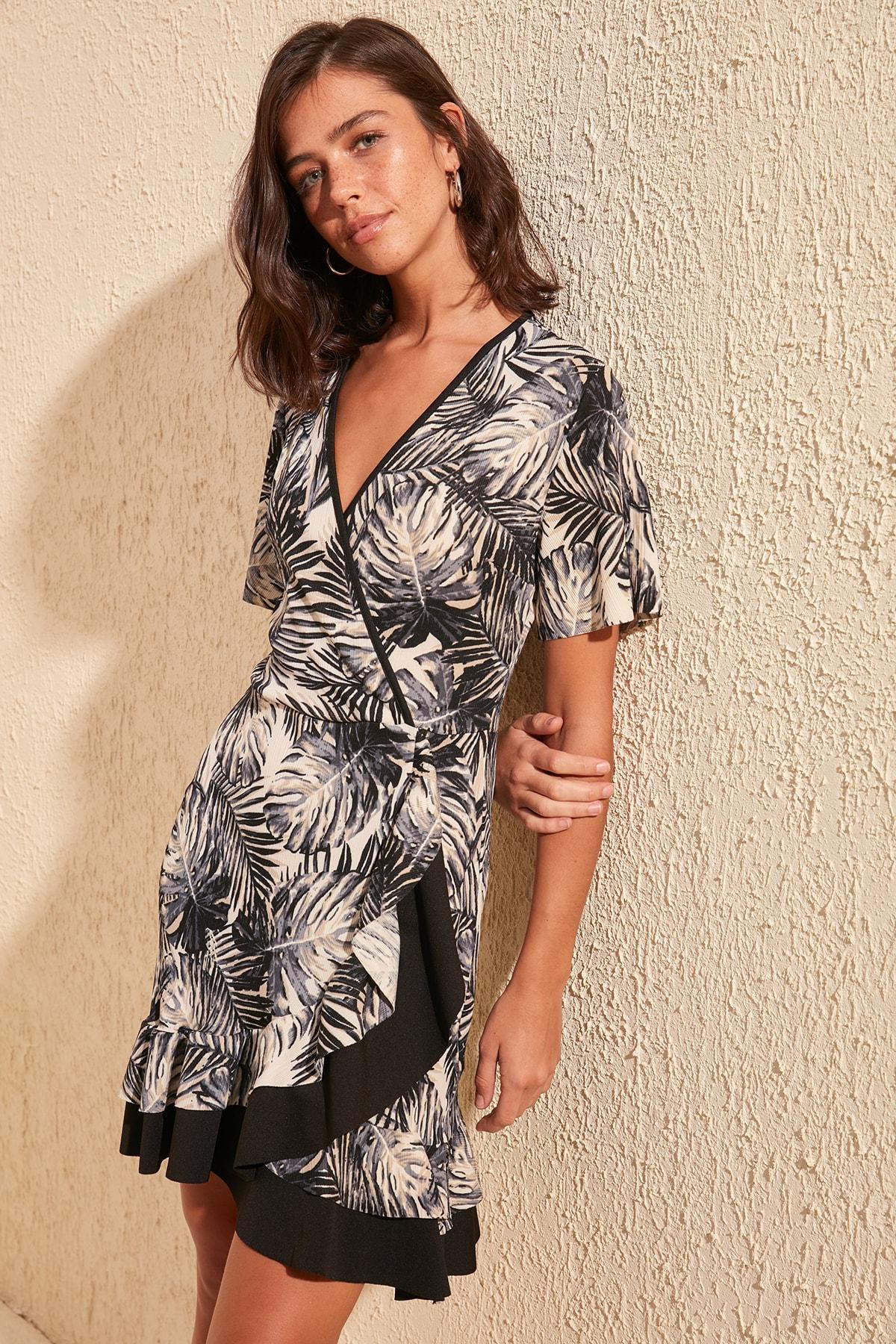 Trendyol Leaf Pattern Knitted Dress TWOSS20EL1733