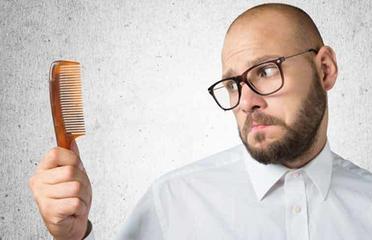脱发难题如何解决 怎样能让头发不脱发-养生法典
