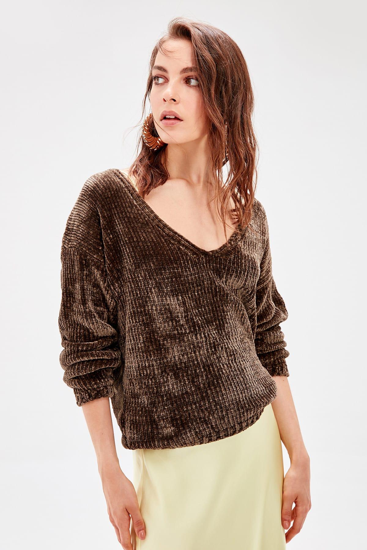 Trendyol Khaki Chenille V-Neck Knitwear Sweater TWOAW20FH0003