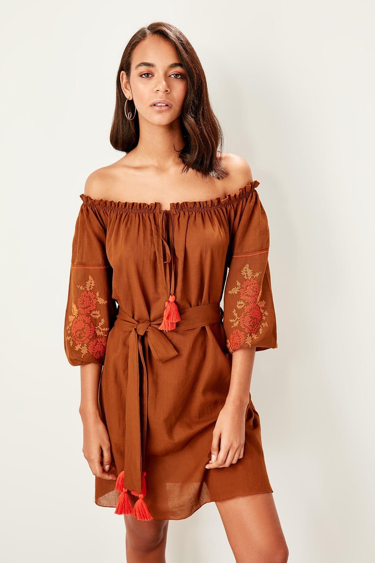 Trendyol Embroidered Beach Dress TBESS19WZ0024