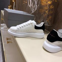 أحذية ماكوين ، أحذية فاخرة للرجال ، أحذية فاخرة لعام 2019 من ألكسندر