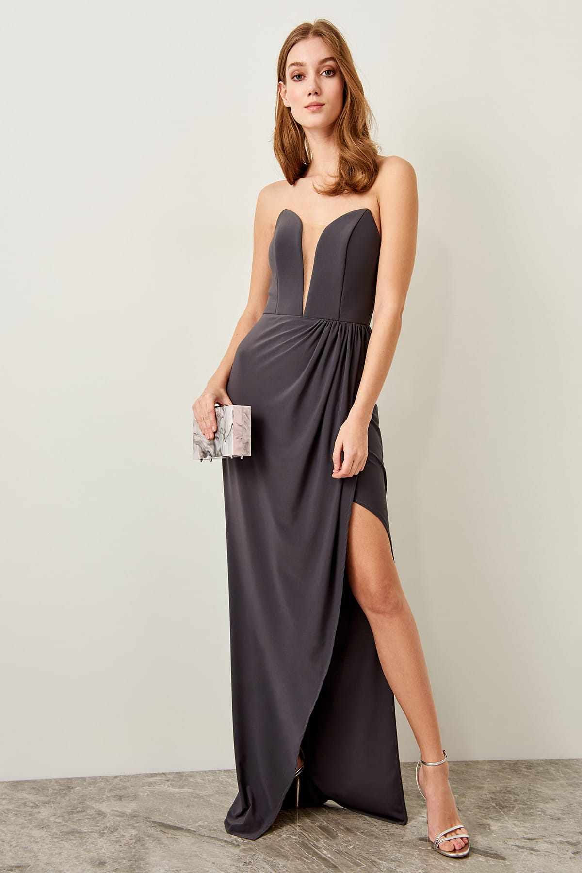 Trendyol Strapless Evening Dress TPRSS19DE0058