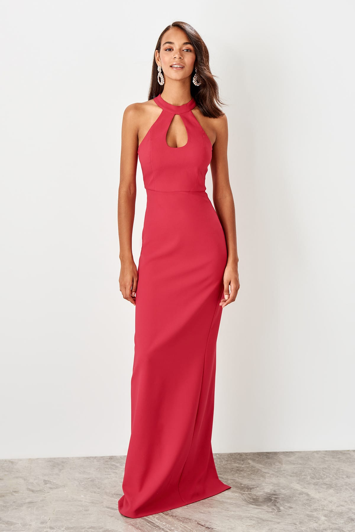 Trendyol Drop Low-Cut Evening Dress TPRSS19BB0543