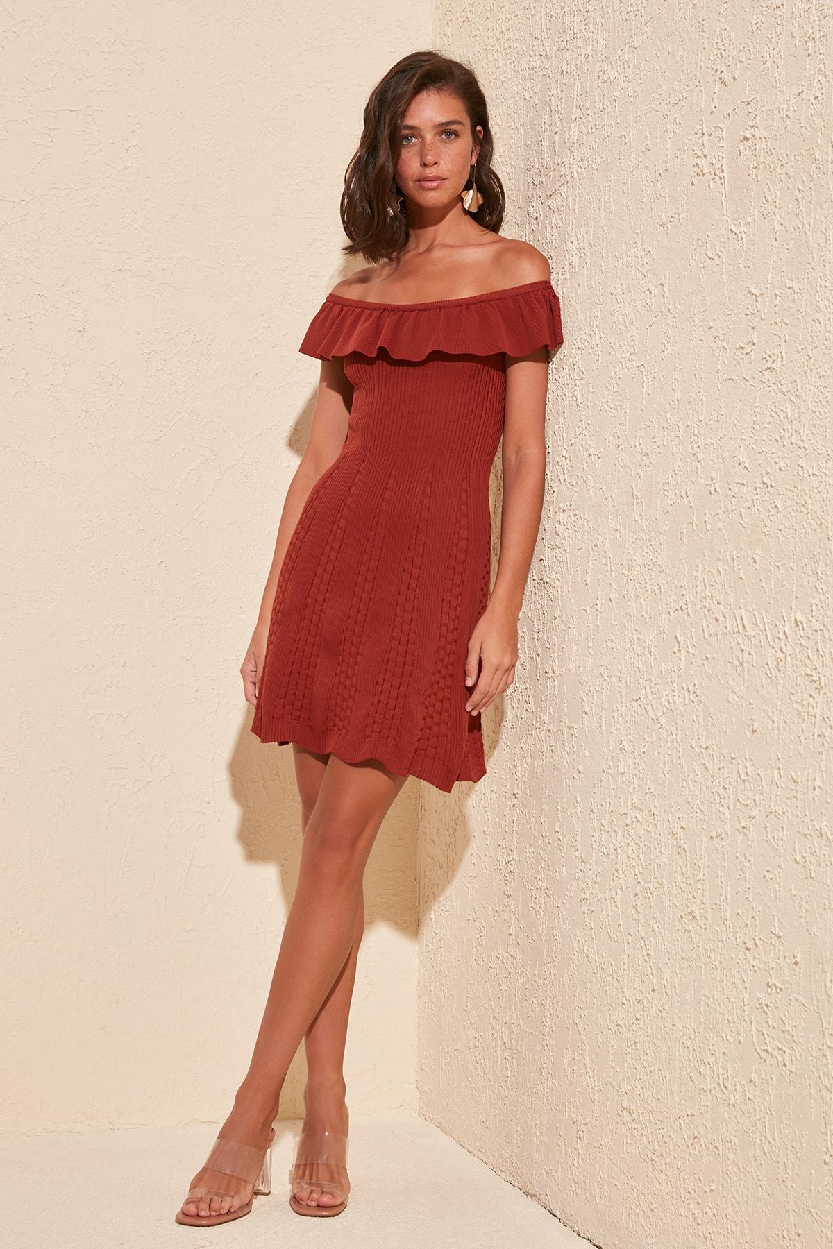 Trendyol Carmen Collar Knitwear Dress TWOSS20EL1572