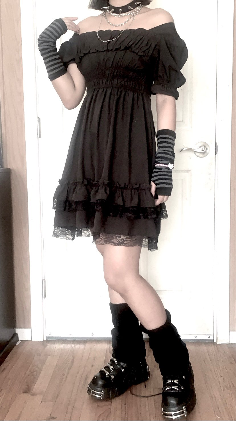 Harajuku Dark Style Dress with Vintage Square Collar and Puff Sleeves photo review