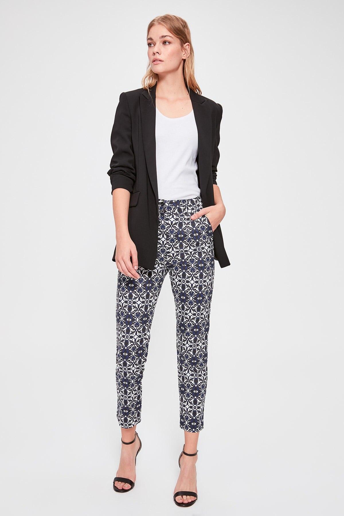 Trendyol Patterned Pants TWOAW20PL0342