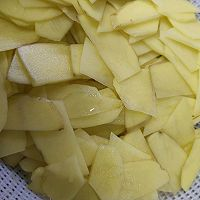 家常土豆片的做法图解1