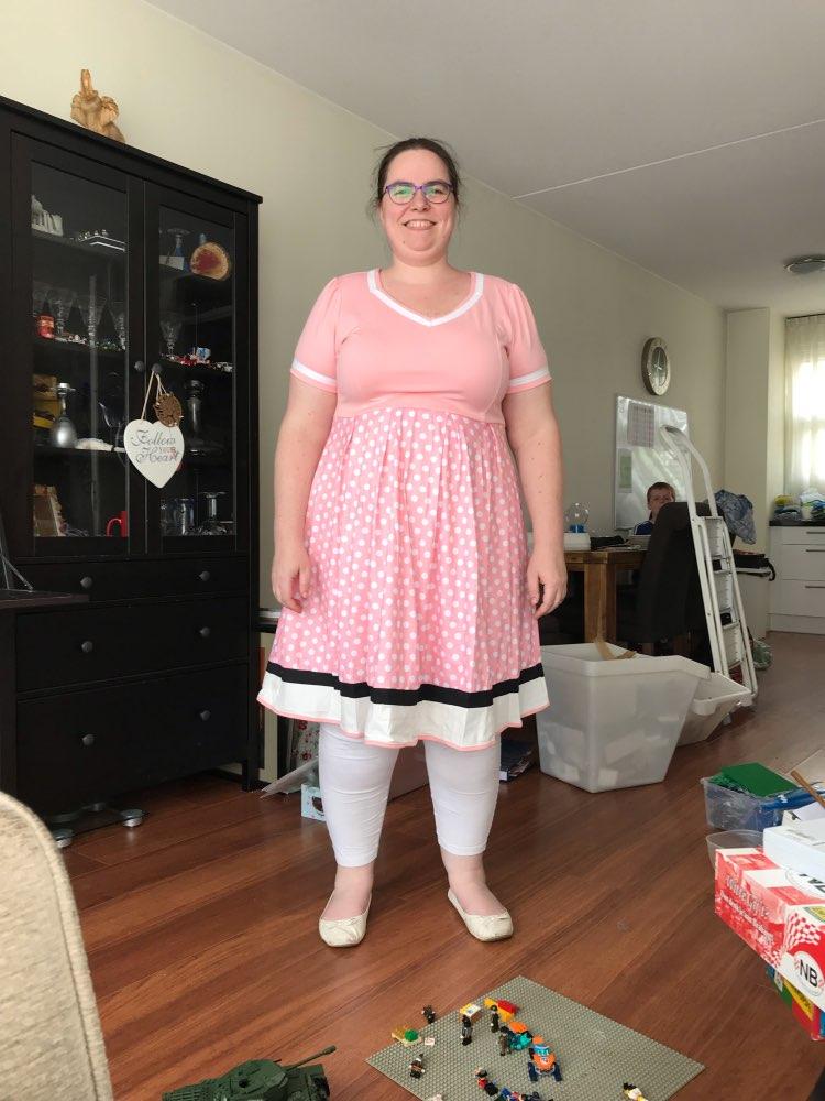 Plus Size Women Polka Dot Print Vintage Dress V Neck Short Sleeve Belt Hepburn Dress Sweetheart Pin Up 50S Party Dresses Vestido photo review