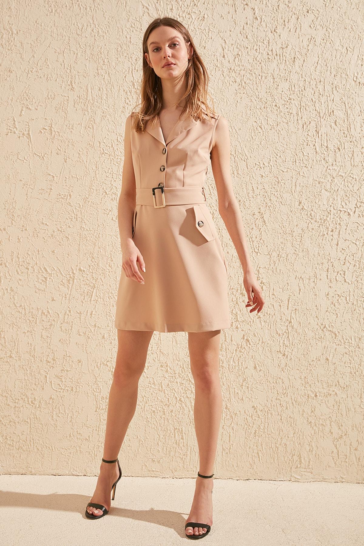 Trendyol Arched Dress TWOSS20EL1903