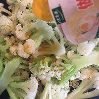 #太太乐鲜鸡汁芝麻香油#鲜鸡汁炒菜花的做法图解4