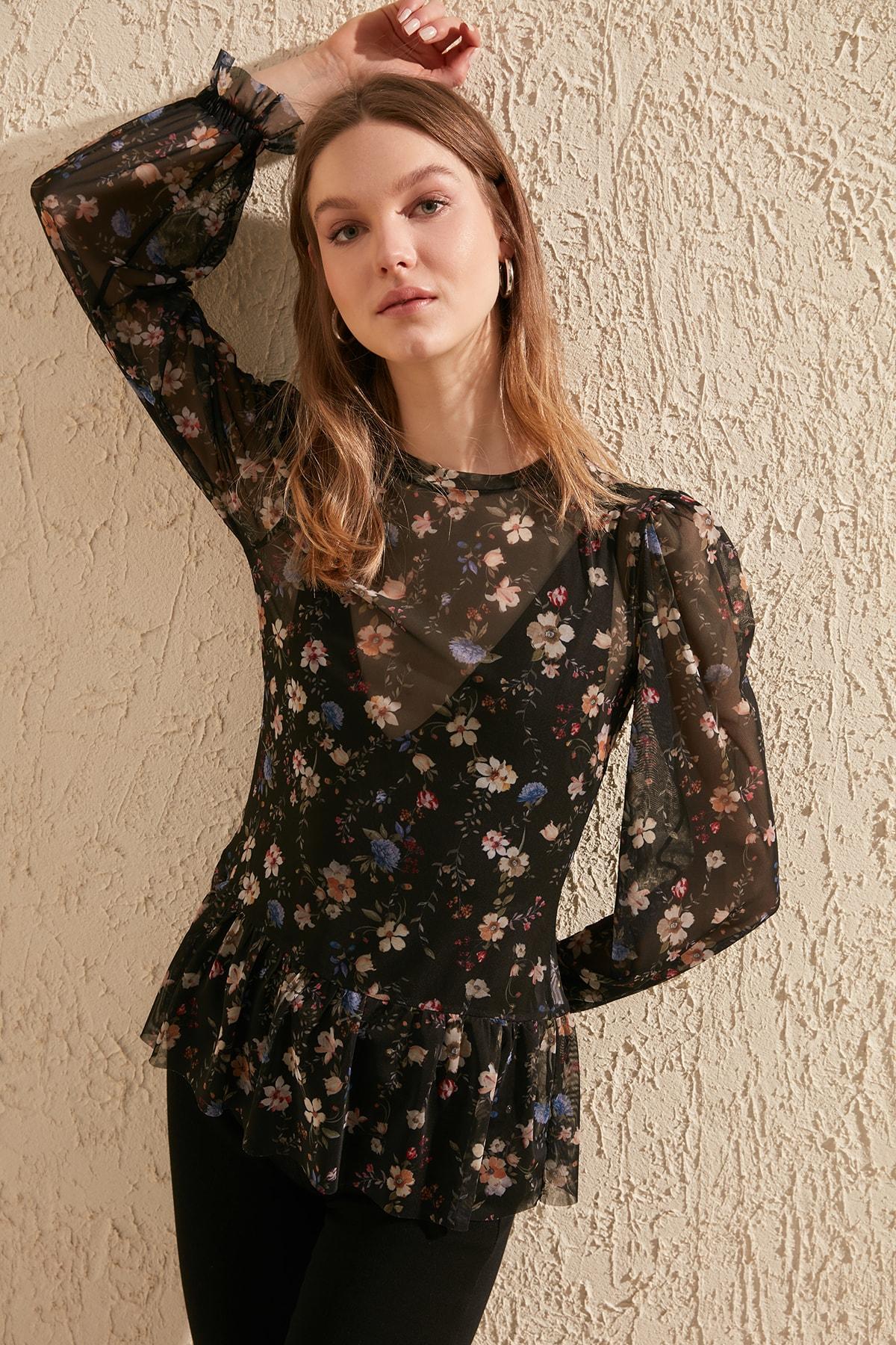 Trendyol Flower Patterned Knitted Blouse TWOSS20BZ0418