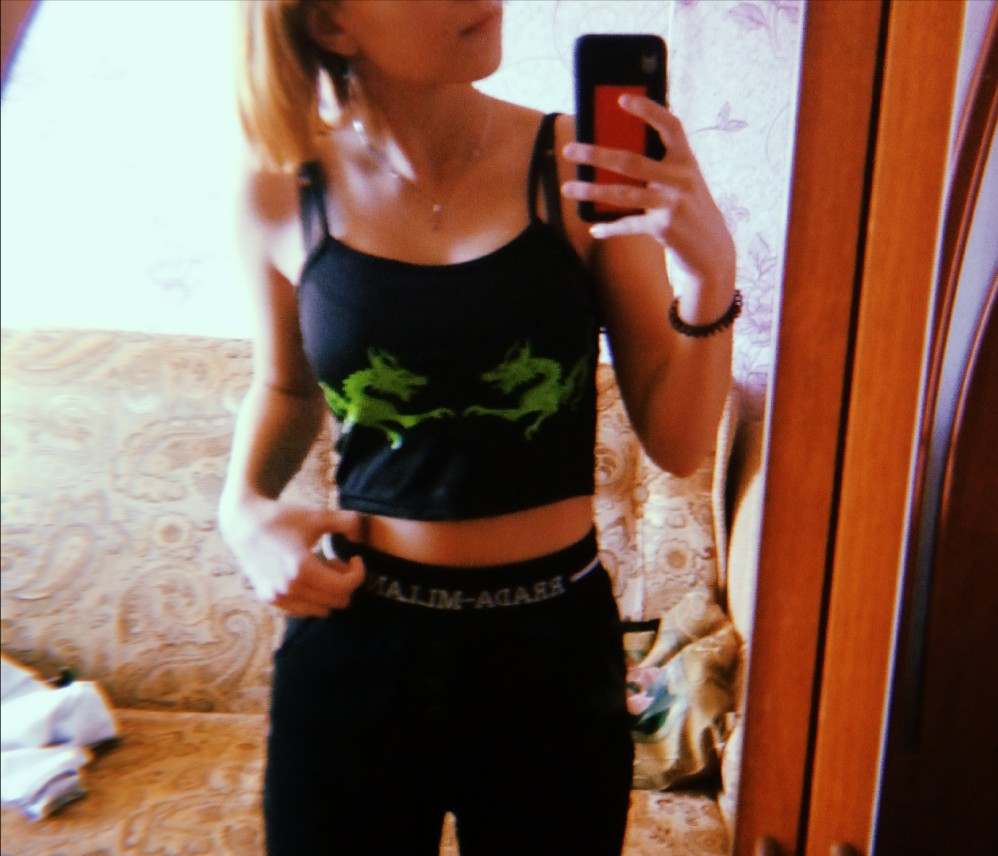 Dragons Pattern Crop Top E-girl Pastel gothic photo review