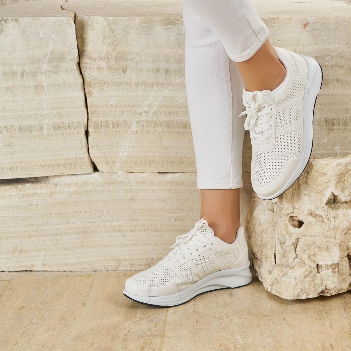 FLO PADELLİ01Z White Women 'S Sneaker Shoes BUTIGO