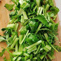 芹菜炒豆干的做法图解2