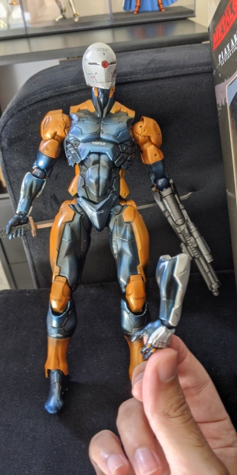 PLAY ARTS 24cm Metal Gear Solid Gray Fox Action Figure Model Toys photo review