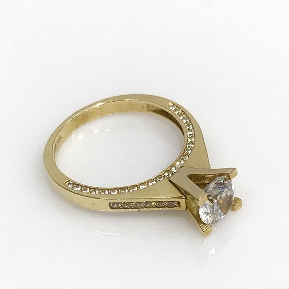 Eiffel Diamond Model Engagement Gold Ring