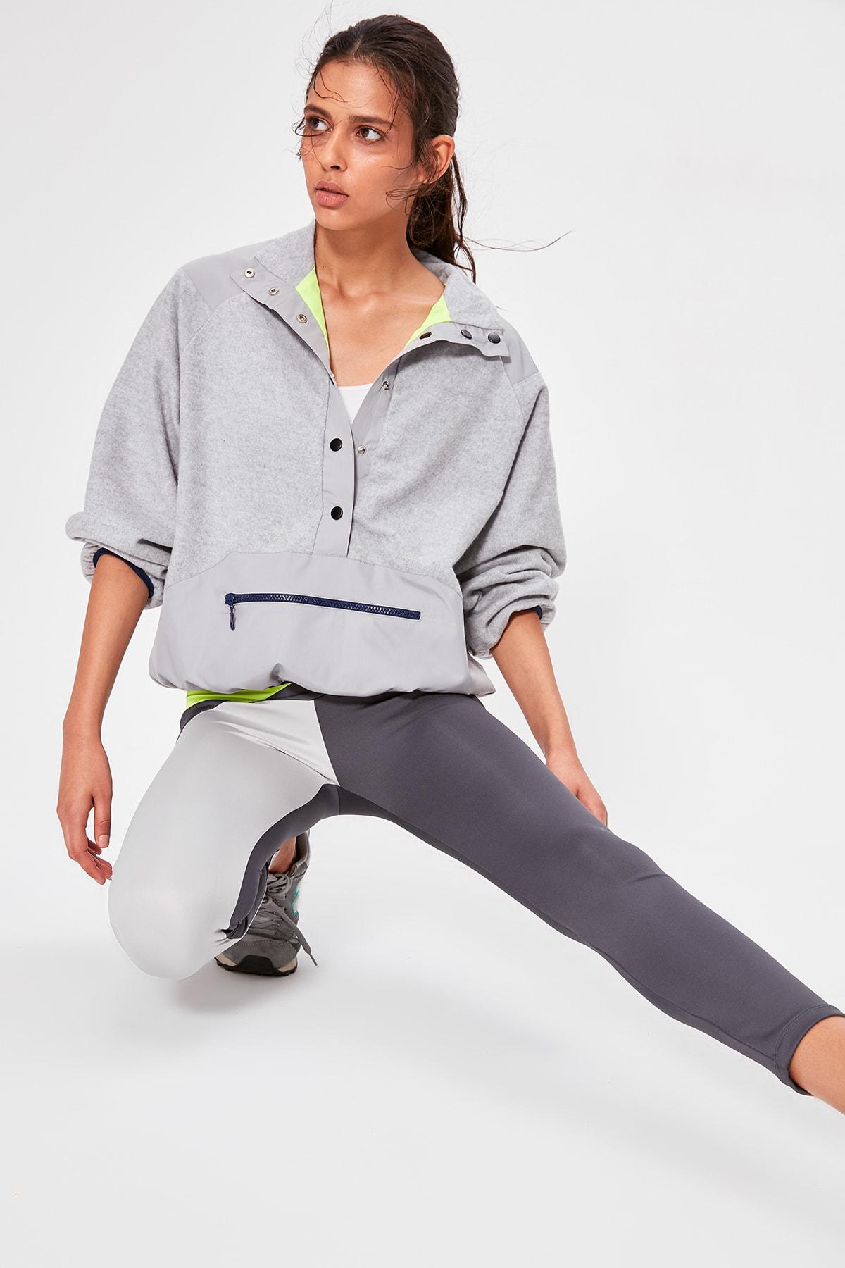 Trendyol Double Sided Neon Detailed Sports Sweatshirt TWOAW20SW0410