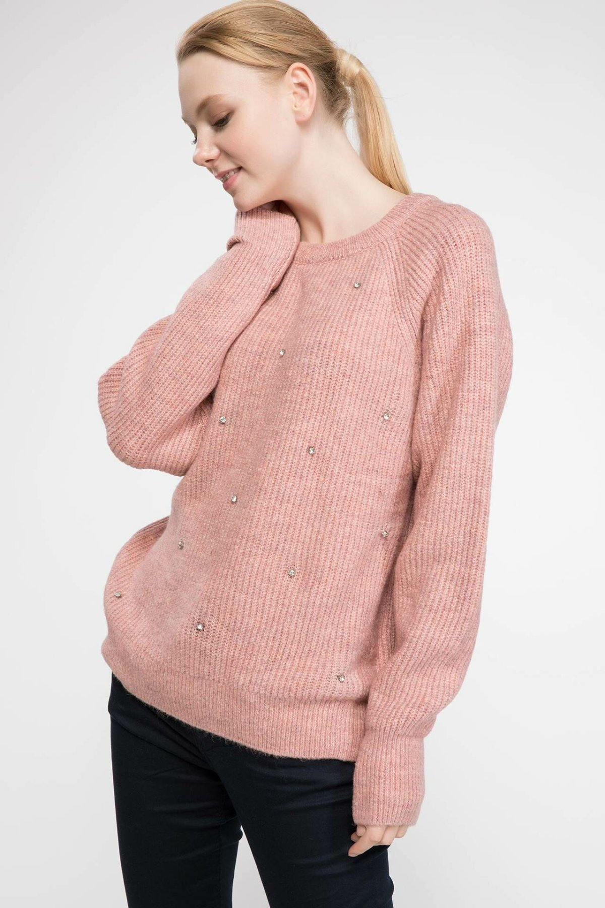 DeFacto Women Casual Joker Knitted Pullovers Fashion O-neck Solid Knitted Simple Sweatshirts Female New-J2978AZ18WN